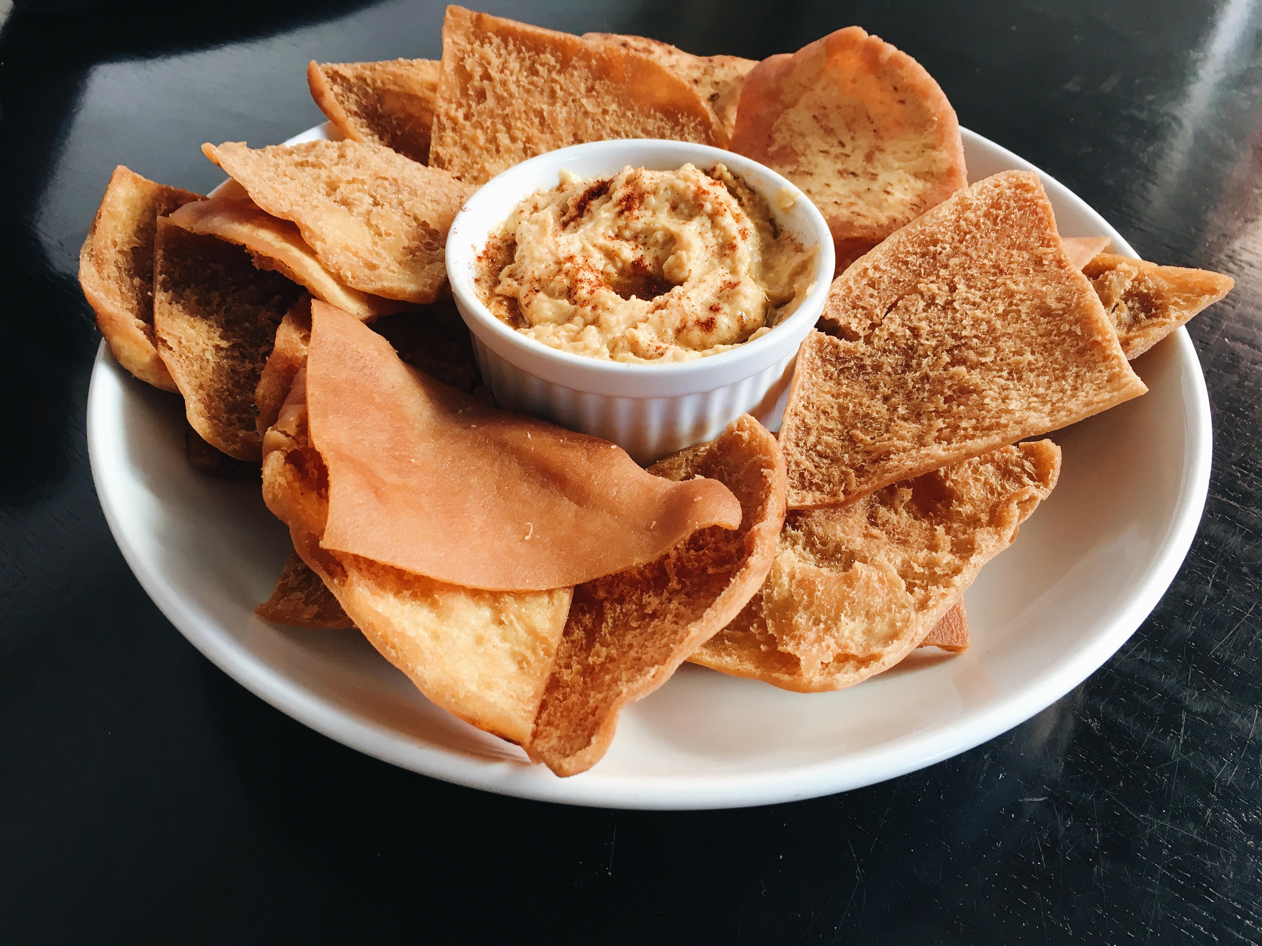 Komodo x Dua Belibis Hummus